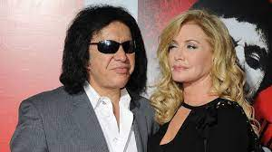 How old is gene simmons wife